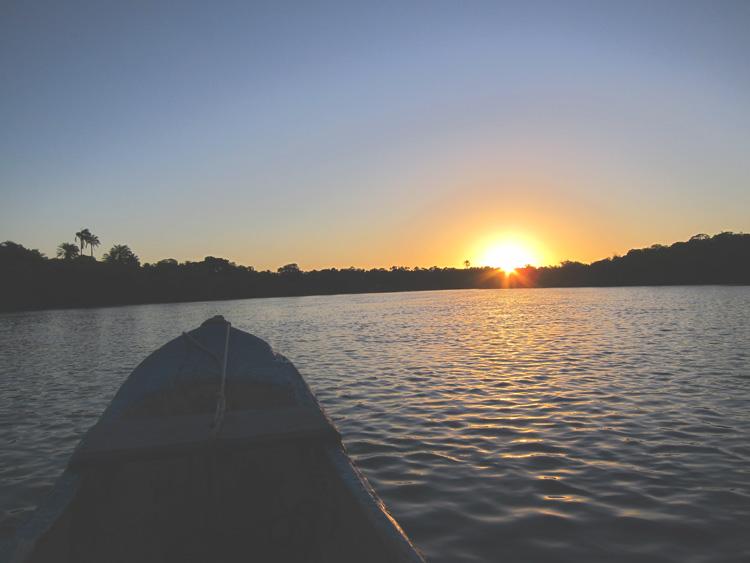 Puesta de Sol boipeba Brasil en la embarcación